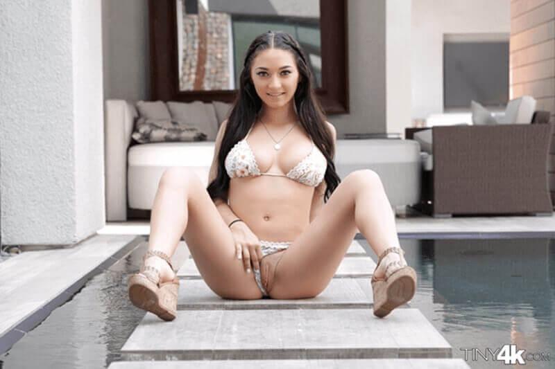 Sexy Porno Teen Girl mit fette Hupen