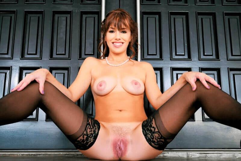 Scharfes Nacktbild von unrasierter Mama mit kleine Brüste